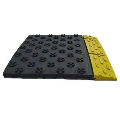 A Euro Grip 325 mat that is black with a yellow edge